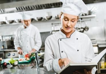 Conheça as principais normas da vigilância sanitária para restaurantes